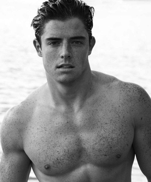 30 Insanely Hot Guys With Freckles Who Will Make You Melt -2210