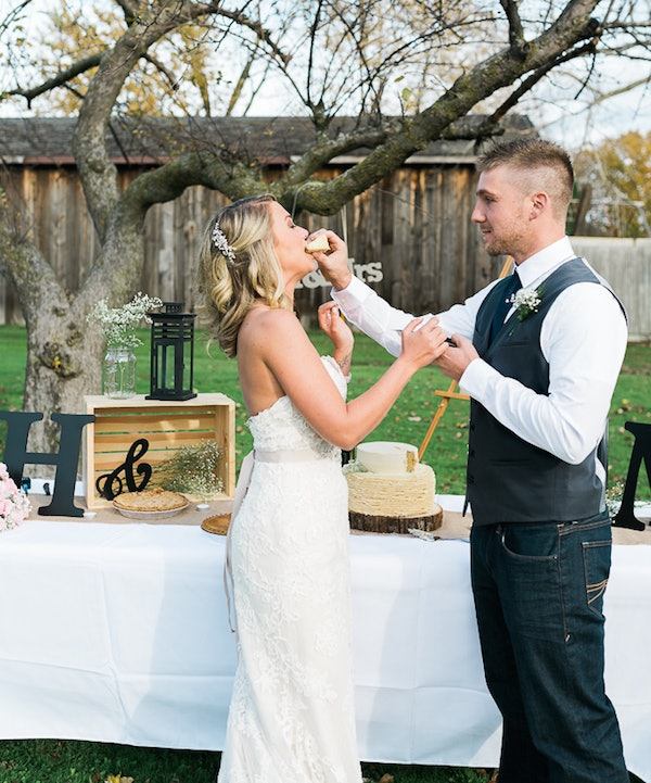 The Ultimate Wedding Day Surprise: Bride Gets Amazing Surprise After Photographer Cancels On