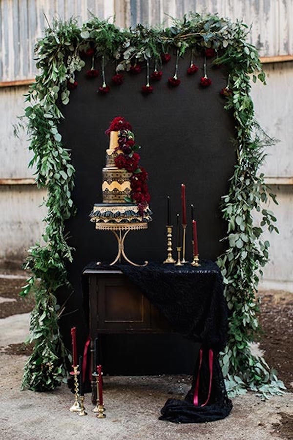 25 Super Creative Wedding Cake Ideas To Satisfy Your Sweet