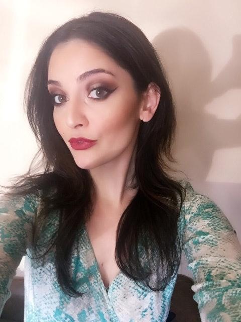 Flamboyant glamour girls, ebony sexy ads