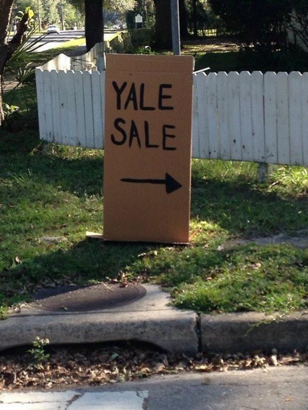 woman uses ryan gosling u0026 39 s  u0026 39 hey girl u0026 39  meme for yard sale