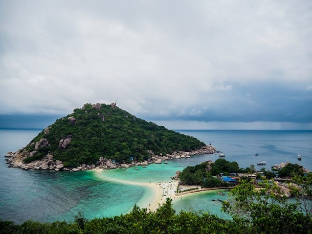 Tropical Islands To Visit If You're On A Budget
