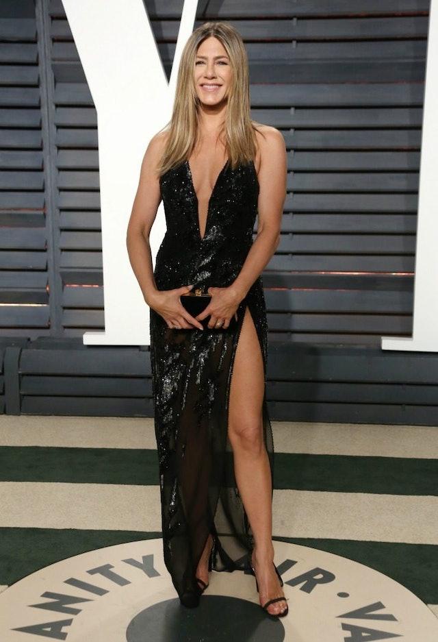 Jennifer Aniston S Oscars Dress Similar To Angelina Jolie S