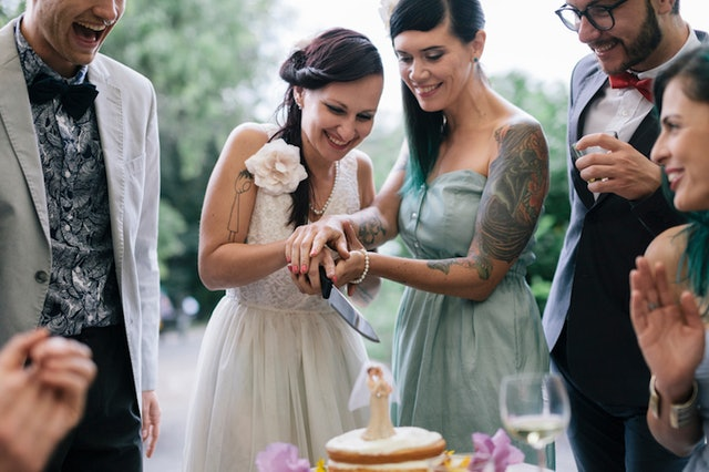 tradition behind cutting wedding cake what these 6 wedding traditions really 21220