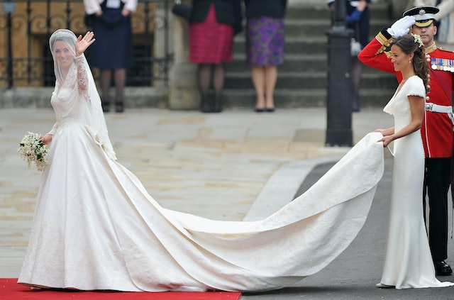Photos Of Meghan Markles First Wedding Dress Prove She Admires
