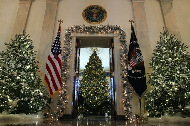 Photos Of Trump S Vs Obama S White House Christmas Decorations Are