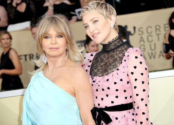 Kate Hudson & Goldie Hawn on the red carpet.