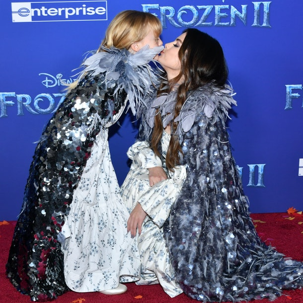 Photos Of Selena Gomez & Her Sister At The 'Frozen 2' Premiere are going viral because it's so cute.