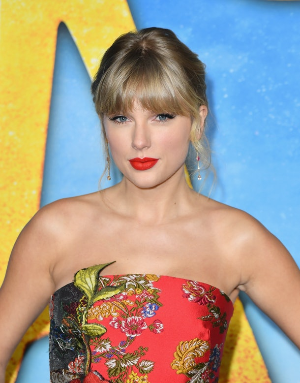 Emma Watson's Comment about Swift's label drama compares Swift to Jo March from Little Women.