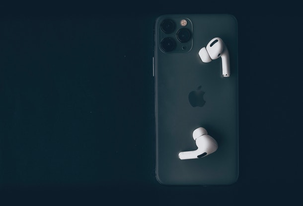 Here's How To Use Transparency Mode For AirPods Pro