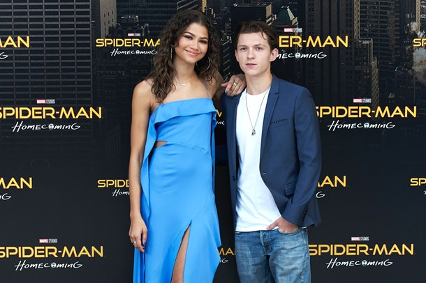 Is Zendaya Dating Anyone? She Might Be Linked To This Co ...