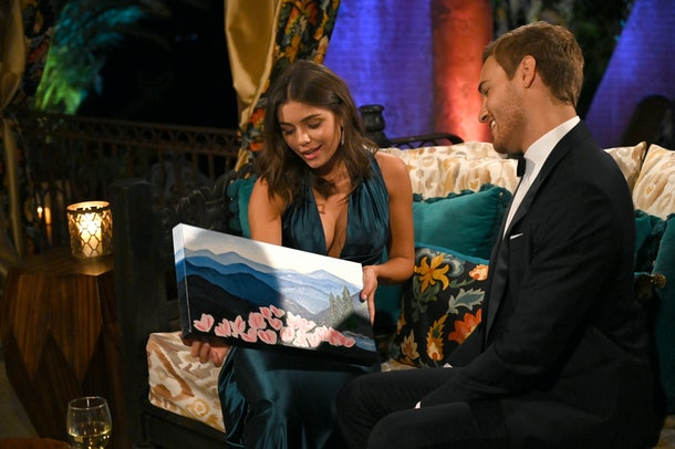 Hannah Ann gifted Peter Weber a painting on 'The Bachelor'