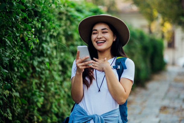 Here's what your Enneagram type says about your texting style if you're a Seven.