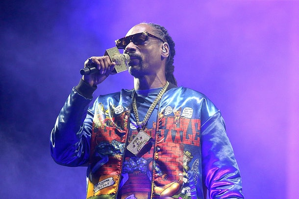 Snoop Dogg performs live.