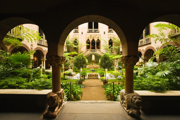 The Isabella Stewart Gardner Museum in Boston has a lovely garden complete with lush plants and stunning architecture.
