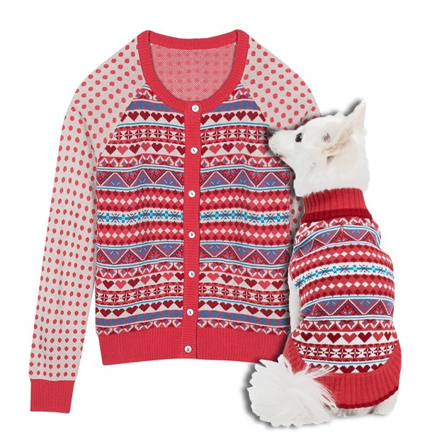 3we totally heart these matching sweaters