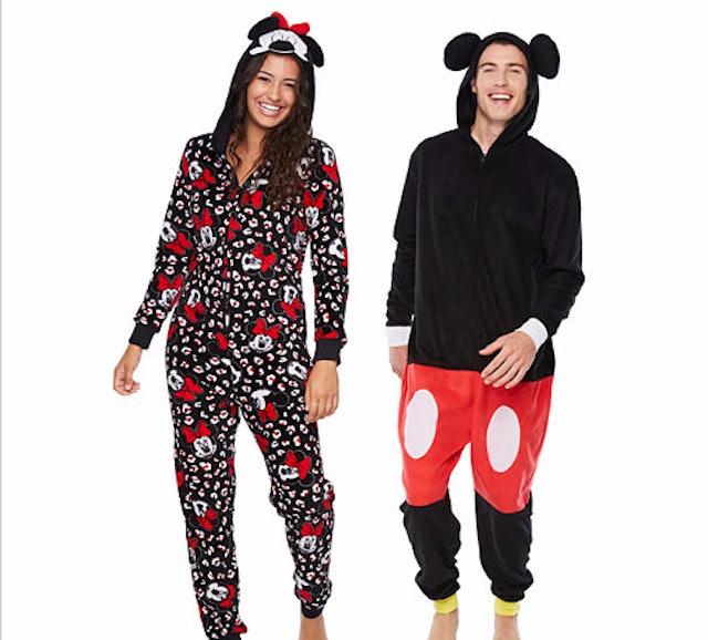 7 Matching Christmas Pajamas For Couples That'll Keep You ...