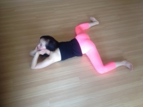 7 stretches for doing the splits that'll help you get more