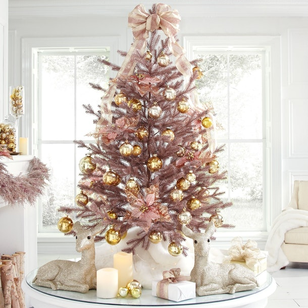 6 rose gold christmas decorations you 39 ll be totally. Black Bedroom Furniture Sets. Home Design Ideas