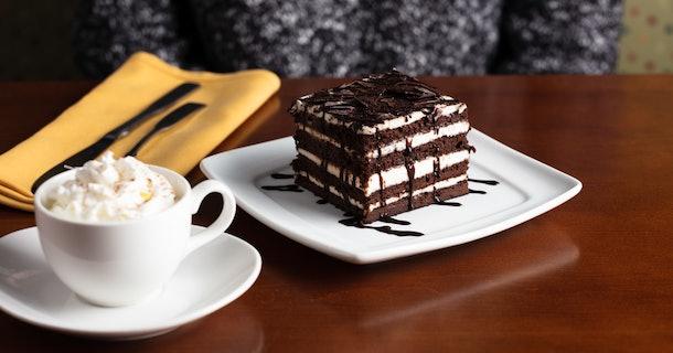Olive Garden 39 S Chocolate Brownie Lasagna Has Eight Layers Of Creamy Fudge
