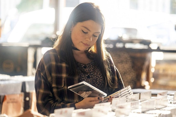 Hannah Zeile as Kate in This Is Us