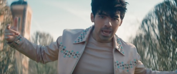 Jonas' bejeweled jacket is a cool part of any Sophie Turner and Joe Jonas Couples Halloween Costume Idea
