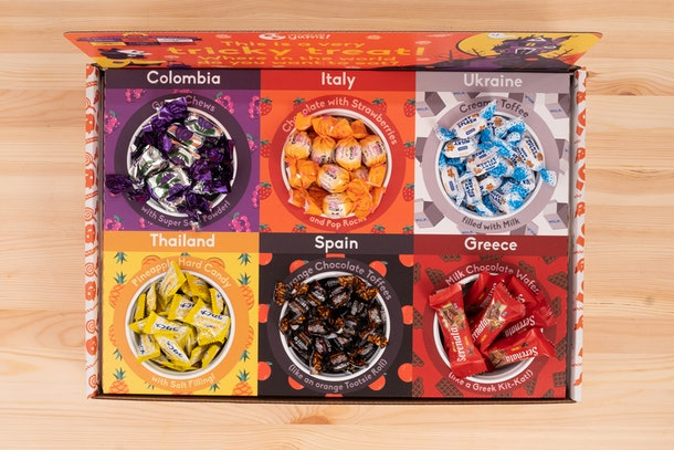 Universal Yum's October 2019 Box for Halloween with international candy