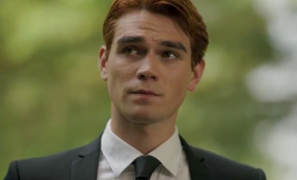 Archie tears up while delivering his eulogy for Fred Andrews in 'Riverdale's Luke Perry tribute episode