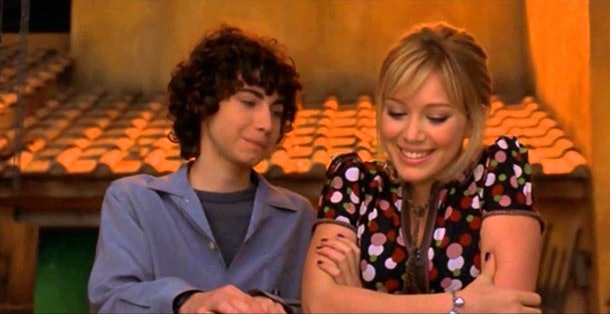 Gordo and Lizzie McGuire kiss at the end of 'The Lizzie McGuire Movie'