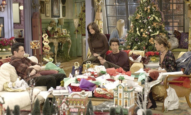 Chandler nearly misses Christmas in 'Friends' Season 9's holiday episode.