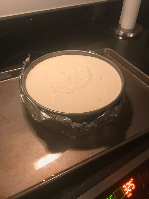 Per Kardashian's suggestion, I made a water bath for the cheesecake.