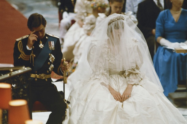 Princess Diana and Prince Charles' wedding day body language shows they may have been experiencing some doubts.