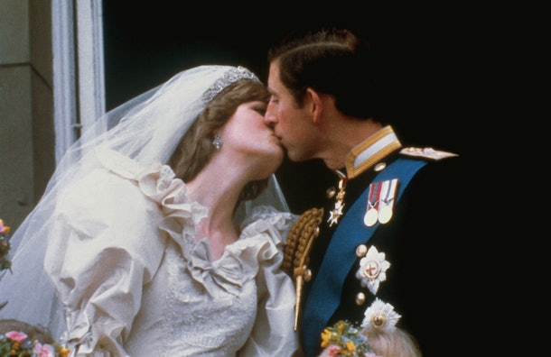 Princess Diana and Prince Charles' wedding day body language is full of juicy clues.