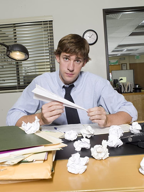 John Krasinski wore a wig filming 'The Office' Season 2, and the story is amazing.
