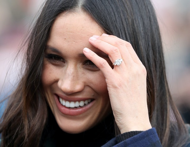 """OMG, I can't get over these details about Prince Harry and Meghan Markle's engagement from """"Finding Freedom."""""""