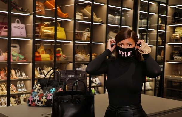 """Kylie Jenner's """"What's In My Bag"""" Video Has Fans PISSED"""