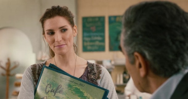 Twyla from 'Schitt's Creek' takes Johnny Rose's order at Café Tropical.