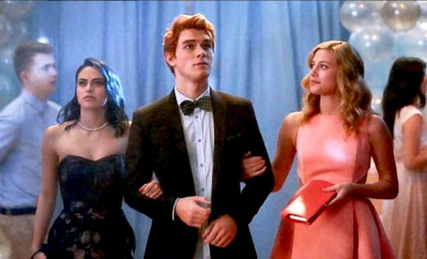 'Riverdale' Season 1 focused on a love triangle between Archie, Betty, and Veronica.