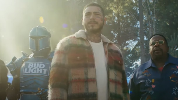 The tweets about Post Malone's hair in Bud Light's 2021 Super Bowl ad are here for his look.