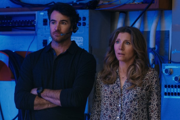 SARAH CHALKE as KATE and BEN LAWSON as JOHNNY RYAN in FIREFLY LANE