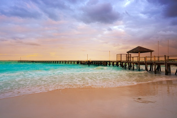 Dollar Flight Club's Nov. 1 Deals To Cancun make it easy to schedule a cheap late winter or early spring trip.