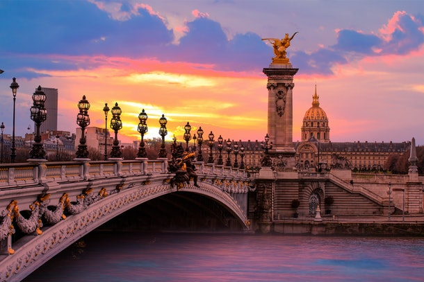Dollar Flight Club's Nov. 7 Deals To Paris are over 70% normal round-trip prices.
