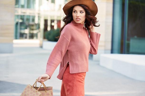 Fashionable beautiful woman shopping. Autumn style