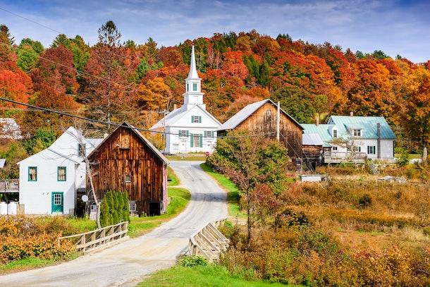 Rural Vermont, USA autumn foliage.