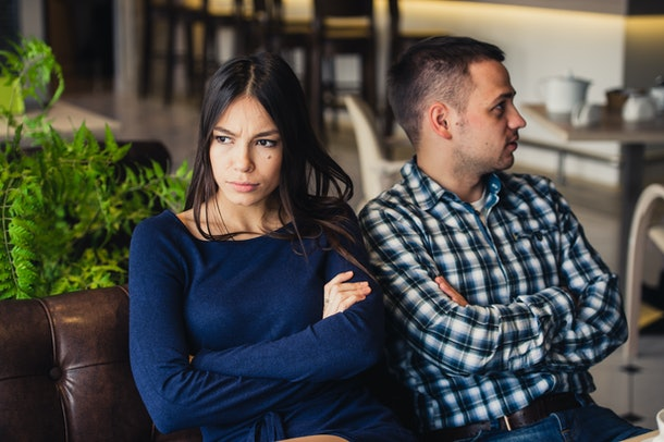 One of the signs your partner isn't ready to settle down yet is if they forget your anniversary and other important dates.