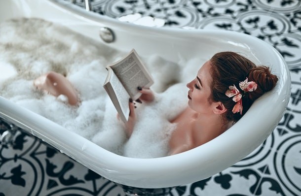 One of the first date hacks that actually work is simply taking a long bath beforehand.